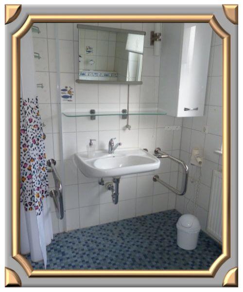 Rollstuhlgerechtes Bad Viel Platz In Der Dusche Ideal Fur Menschen