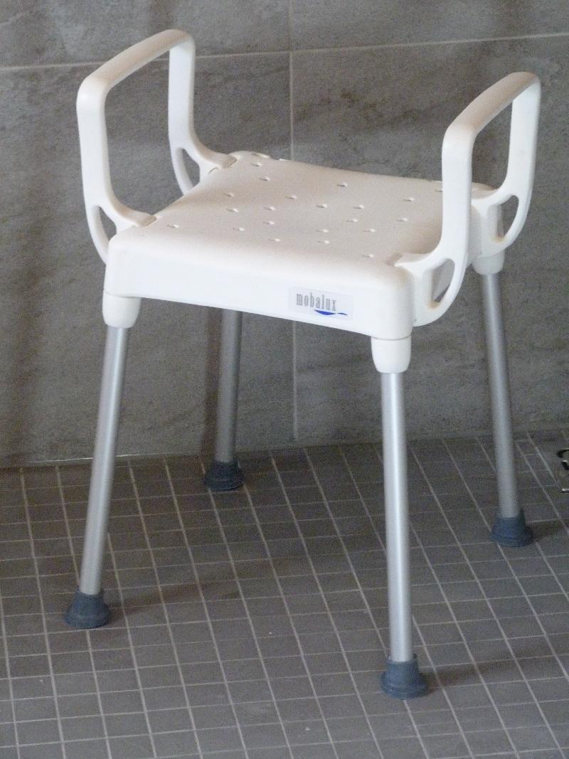 Rollstuhlgerechte Dusche Ma?e : rollstuhlgerechtes Bad, viel Platz in der Dusche, ideal f?r Menschen